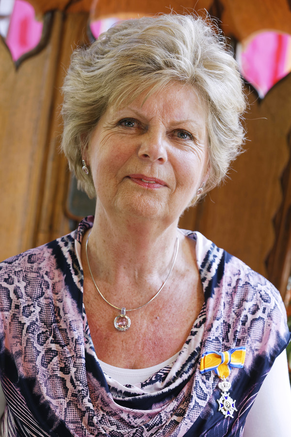 Mevrouw Vugts-Heijstek.