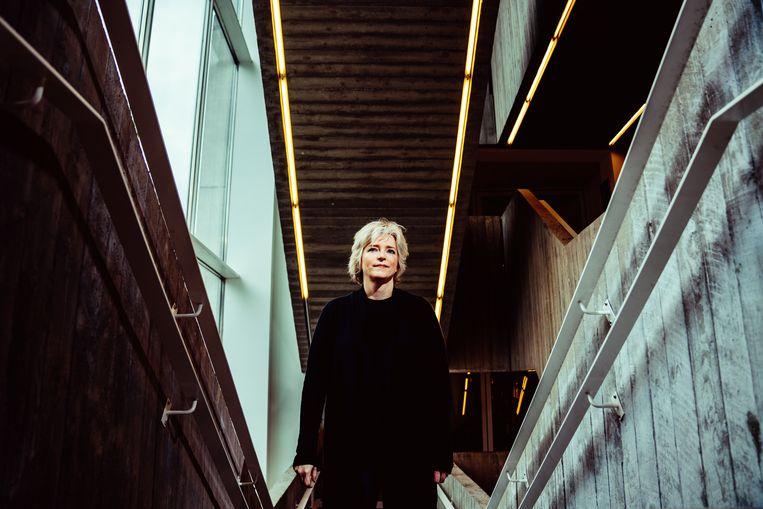 De Amerikaanse thrillerschrijfster Karin Slaughter. Beeld Stefaan Temmerman