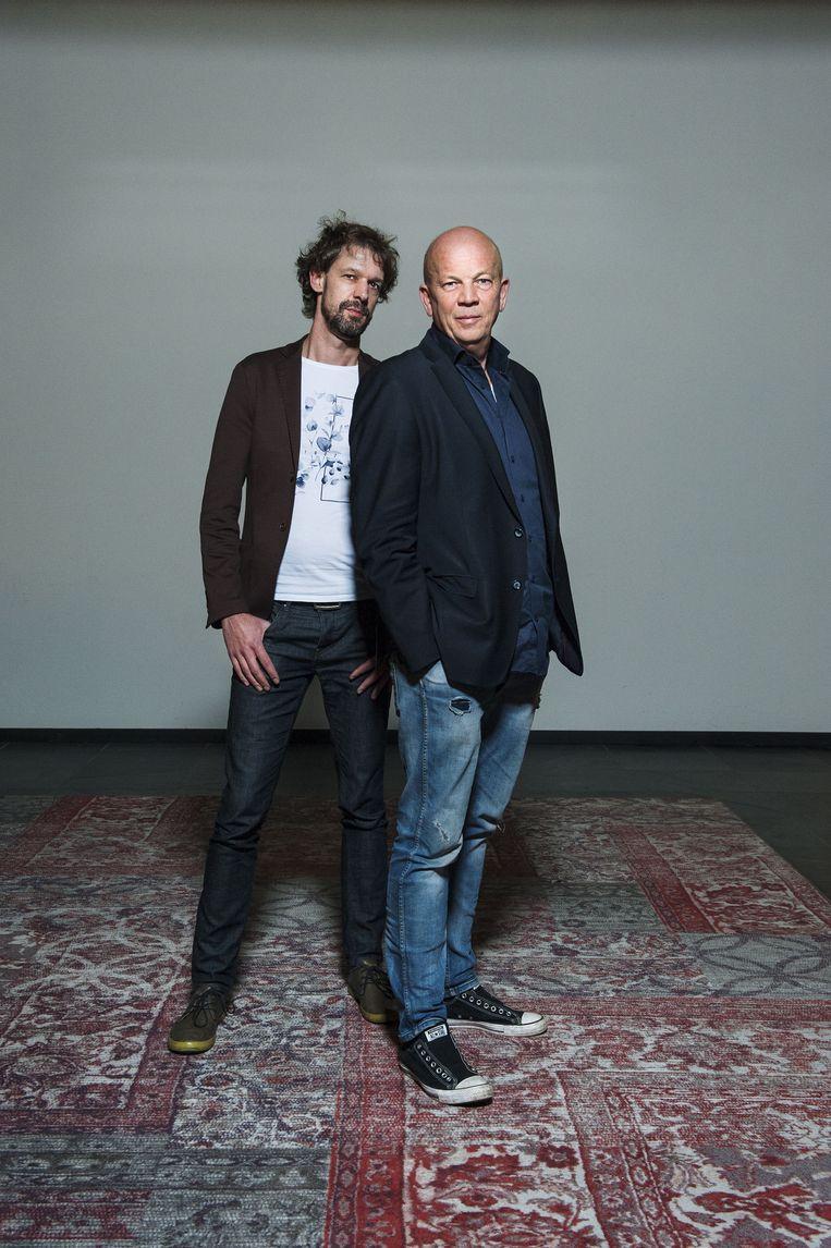 Jan Kleinnijenhuis (L) en Pieter Klein, de Journalisten van het Jaar 2019 Beeld Duco de Vries, Villamedia