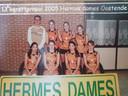 De oude teamfoto van Bonny Leenders (nummer 6).