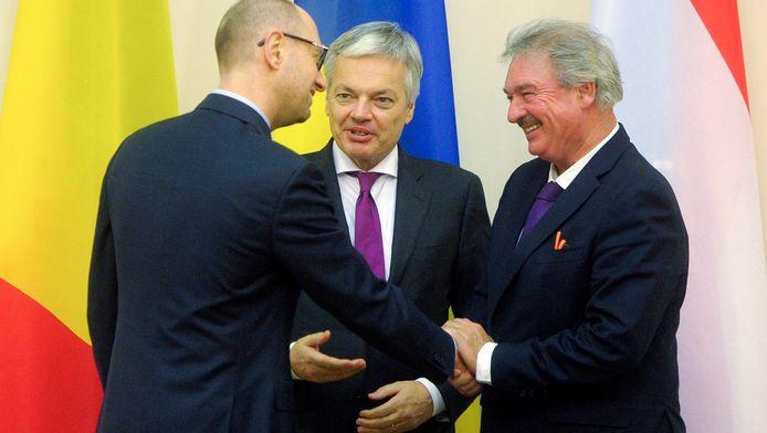 Eerste minister Yatsenyuk van Oekraïne, Luxemburgs minister van Buitenlandse Zaken Asselborn en Didier Reynders tijdens hun meeting in Kiev.