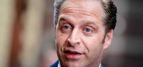 Kabinet komt met twee weken feestpauze na Janssen-prik, laatste waarschuwing voor horeca