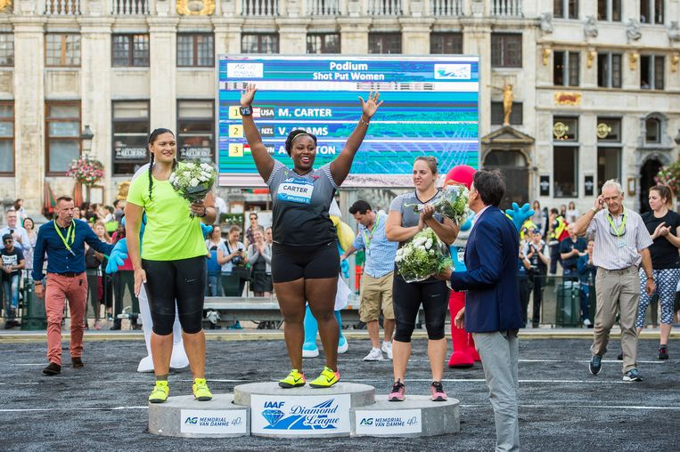 New Zealand's Valerie Adams, US Michelle Carter and Hungarian Anita Marton pictured on the podium after the shot put event (men national and women Diamond league) of the 40th edition of the Memorial Van Damme athletics meeting, Thursday 08 September 2016 in Brussels. The Memorial Van Damme is the 14th and last meeting of the IAAF Diamond League. This event takes place one day ahead of the athletics meeting, on Brussels famous Grand-Place - Grote Markt. BELGA PHOTO LAURIE DIEFFEMBACQ Beeld BELGA