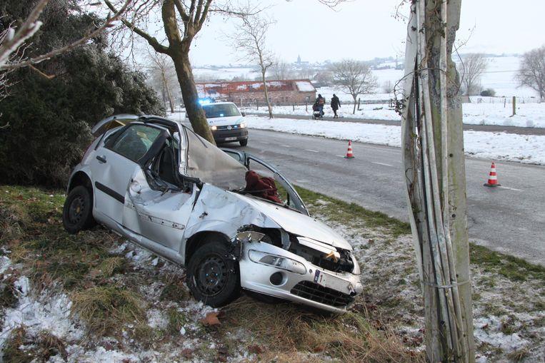 De auto van Lindsey en Bryan is rijp voor de schroothoop.