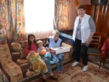 Riky Schonenborg (88) uit Hengevelde nog één keer naar Roemenië om arme mensen te helpen