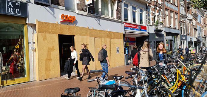 De Coop aan de Molenstraat in Nijmegen blijft wegens verbouwing tot 23 oktober gesloten.