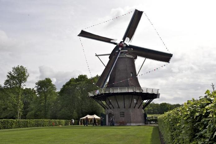 Korenmolen De Hoop in Nijkerk. foto Bram van de Biezen