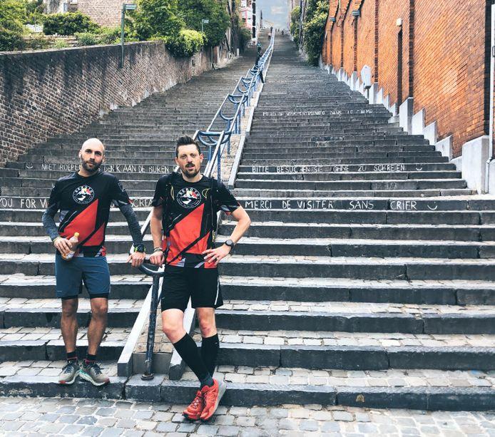 Rik Goris (links) en Kevin Eulaerts aan de Montagne de Bueren in Luik.