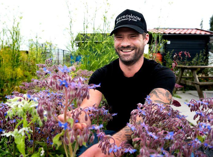 Jan Cees Graafland is eigenaar van restaurant De Bistronoom. Hij heeft een eigen moestuin waar hij vooral eetbare bloemen kweekt die gebruikt worden voor de garnering van de gerechten.