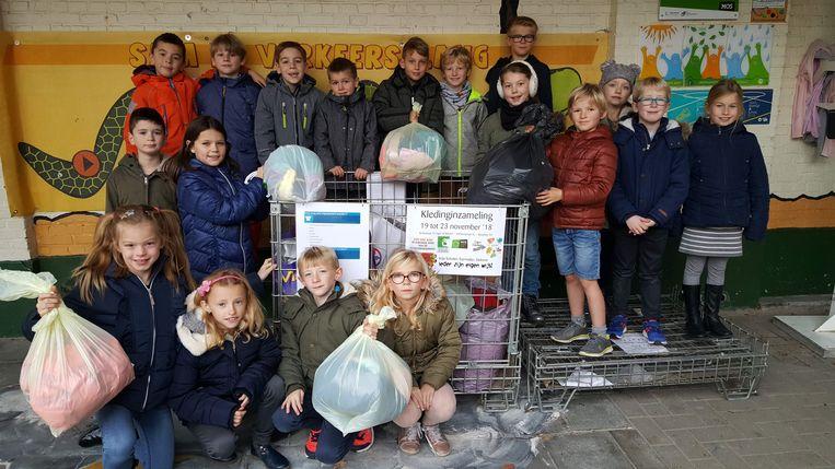 De leerlingen zamelden in totaal maar liefst 218,5 kg aan kledij in voor de Kringwinkel.