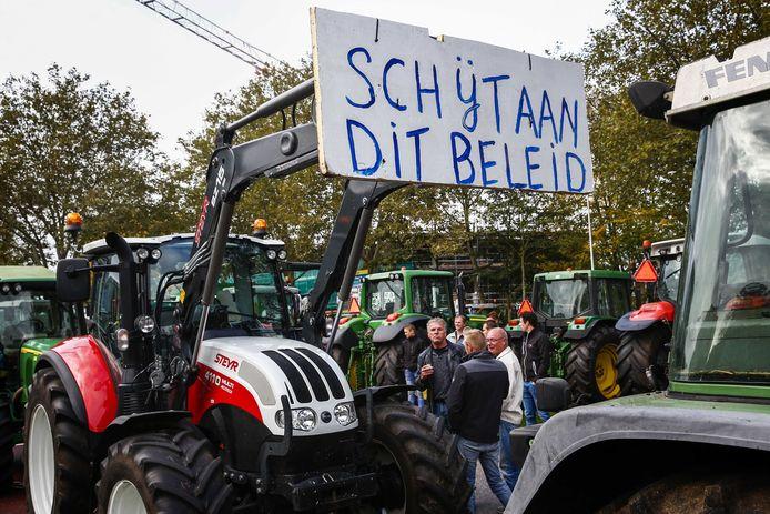 Stikstofprotest door boze boeren in Overijssel.