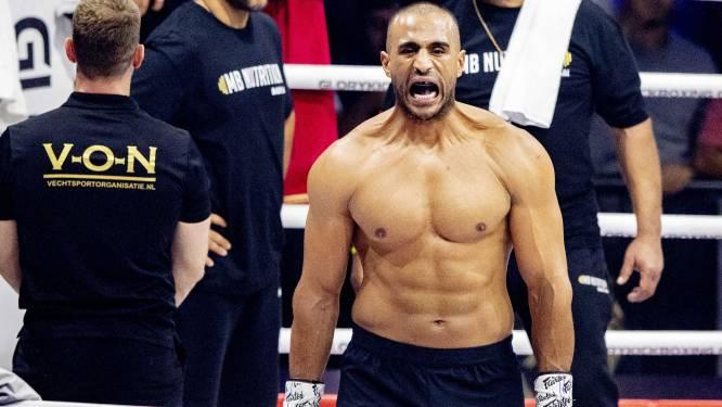 Badr Hari terug in de sportschool: 'Als vanouds aan het trainen'