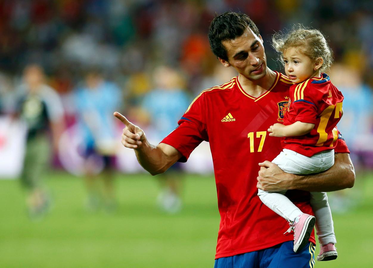 Álvaro Arbeloa na de gewonnen finale op het EK 2012, de enige van vijf finales waarin de Spaanse rechtsback wel speelde.