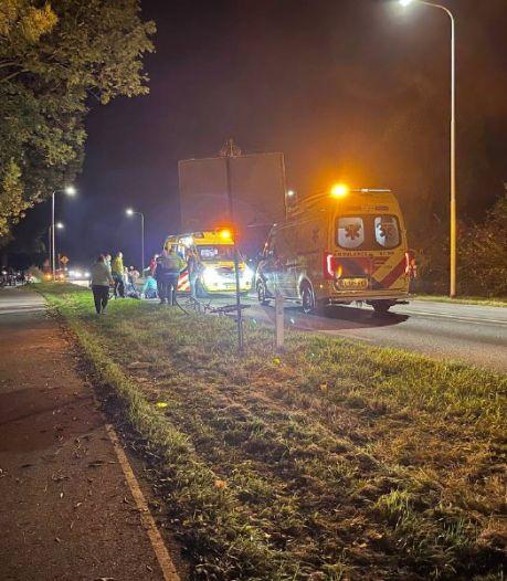 Fietser geschept door bestelbus in Didam, zwaargewond naar het ziekenhuis
