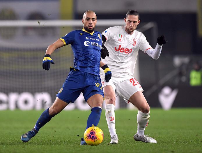 Sofyan Amrabat in duel met Rabiot