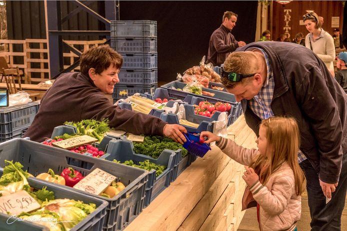 Lokaalmarkt opent in de voormalige supermarkt Peeters-Govers op de Herentalsebaan in Deurne.