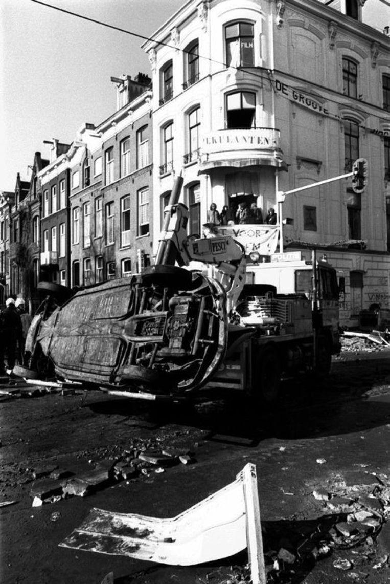 Ontruiming van een kraakpand op de Vondelstraat 172 door de Mobiele Eenheid. Foto Stadsarchief Amsterdam Beeld