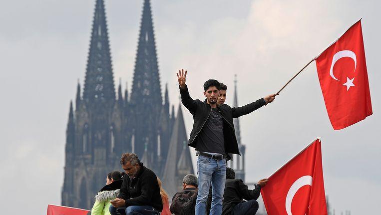 Turkse demonstranten in Keulen, afgelopen weekend Beeld AP