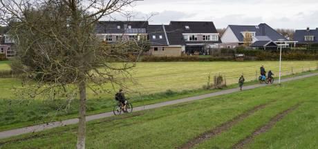 Bewoners Wijhe bezorgd om achtertuin: gemeente wil grond anders gebruiken