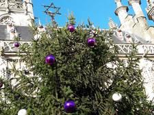 Kerstboom van Middelburg staat op zijn plek maar lampjes blijven uit