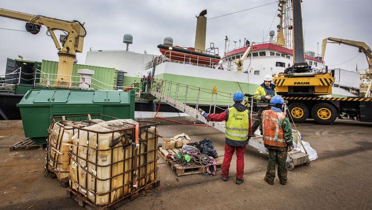 Dit megaschip mag toch weer uit vissen in Australië. Beeld Raymond Rutting