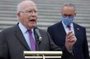 Senator Patrick Leahy, die opperrechter John Roberts vervangt als voorzitter van het proces