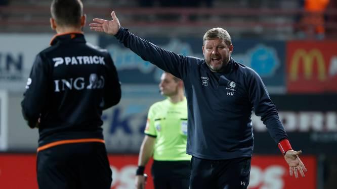 """Onze huisref Tim Pots fluit Vanhaezebrouck terug na kritiek op VAR: """"Er ging géén nieuwe fase in én er was een overtreding op Kortrijk-speler"""""""