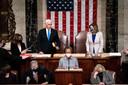 Vicepresident Pence bekrachtigde de verkiezingswinst van Biden in het Congres. Naast hem Nancy Pelosi, voorzitter van het Huis van Afgevaardigden.