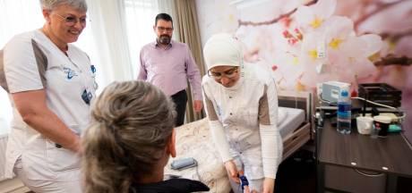 Baan in de zorg voor nieuwe Nederlander: dat win-win-win-plan uit Apeldoorn slaat aan