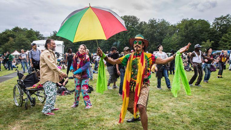 In het Flevopark werd voor de tiende en laatste keer het Cannabis bevrijdingsfestival georganiseerd. Beeld Dingena Mol
