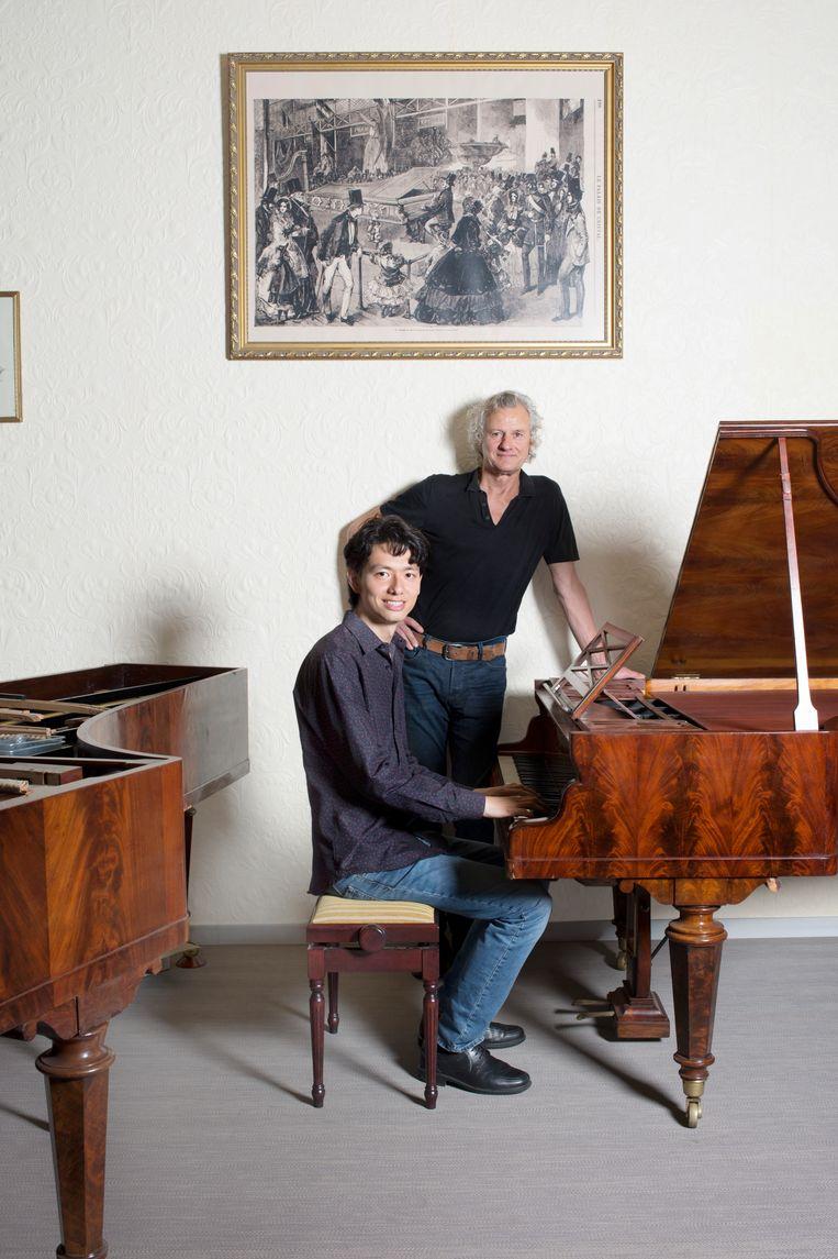 Martin Oei (zittend) en Frits Janmaat.  Beeld Annabel Miedema