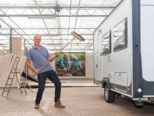 Voormalig tuincentrum Hattem doet dienst als caravanstalling