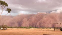 Spectaculaire time-lapse van enorme stofstorm