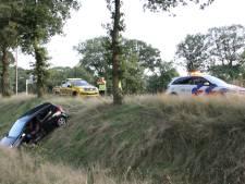 Achtervolging over Twentse snelwegen eindigt in sloot bij Holten, bestuurder aangehouden