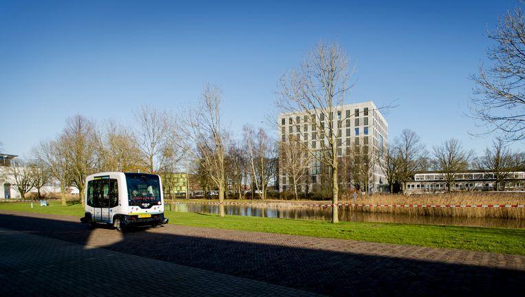 Ongeveer vijftig zelfrijdende auto's gaan na de ochtendspits van Amsterdam naar Beesd Beeld anp