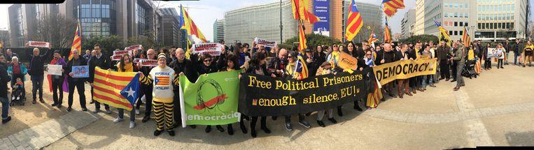 In Brussel vond een manifestatie plaats om de Catalanen te steunen. Beeld Dieter Nijs