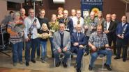 Karabijnclub De Zwalmschutters zet kampioenen in de bloemetjes