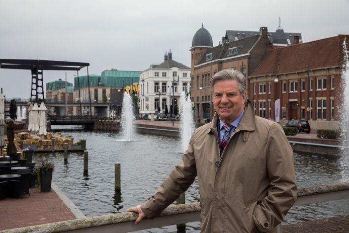 Europarlementariër Toine Manders in 2019 in het centrum van Helmond.