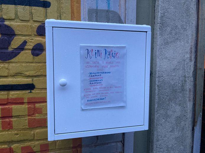 Weggeefwinkel Utrecht start experiment met 'Klinikastje' voor onder andere menstruatieproducten.