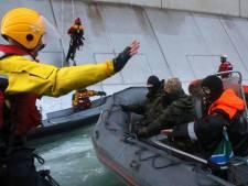 Un bateau de Greenpeace pris d'assaut par des gardes-frontières russes