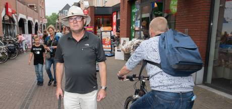 Fietser mag blijven rijden door winkelcentrum Eglantier in Apeldoorn, tot afschuw van Guido