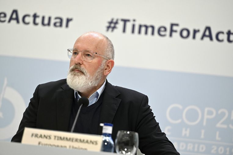 'Klimaatcommissaris' Frans Timmermans tijdens een persconferentie op de VN-klimaattop, maandag in Madrid. Beeld EPA
