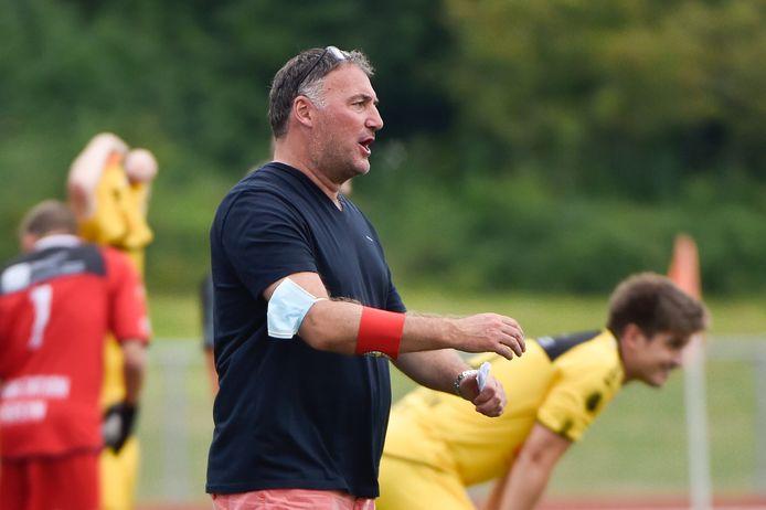 Knokke-trainer Yves Van Borm mikt dit seizoen op de linkerkolom in eerste nationale.