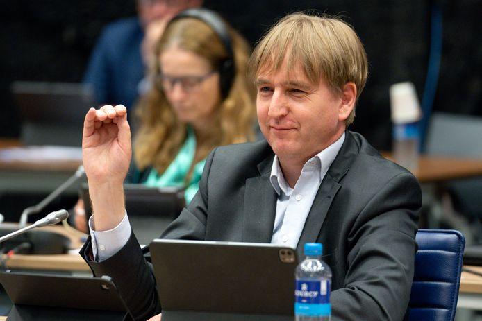 Eric de Bie (BVNL) hakte met zichtbaar plezier in op de nieuwe coalitie in Brabant.