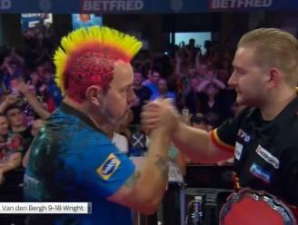 Geen glorie voor emotionele Dimitri Van den Bergh in finale van World Matchplay: geweldige Peter Wright is veel te sterk (9-18)
