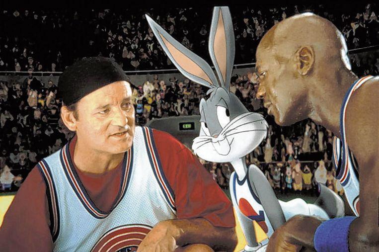Bill Murray, Bugs Bunny en Michael Jordan in 'Space Jam'. Beeld SBS