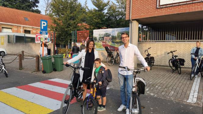 """Ook Grobbendonkse schoolkinderen starten Bike2School: """"Jong geleerd is oud gedaan, hiermee richten we ons tot de jongste inwoners"""""""