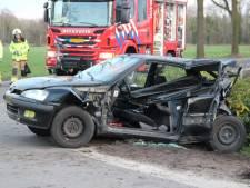 Forse schade na ongeval op kruising in Laren