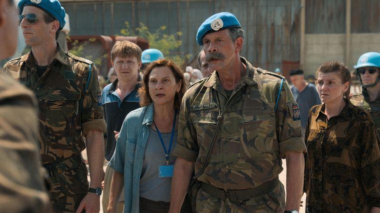 Tolk Aida (Jasna Djuricic) en Dutchbat-commandant Karremans (Johan Heldenbergh) in Quo vadis, Aida?  Beeld