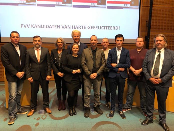 Geert Wilders met de PVV-fractie in Twenterand